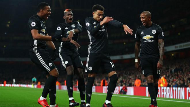 MU hạ Arsenal, xứng danh anh hùng: Tinh thần Mourinho bất diệt - 1