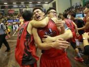 Tin thể thao HOT 3/12: Thăng Long Warriors vô địch VBA Finals 2017