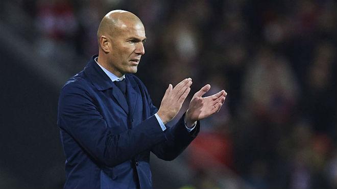 Tin HOT bóng đá sáng 4/12: Real sa sút, Zidane bị chê hèn nhát - 1