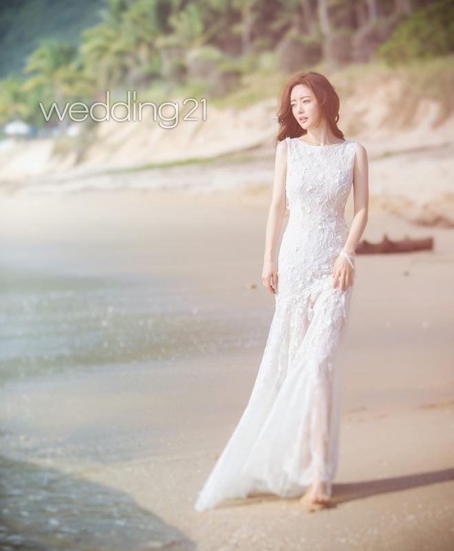 """""""Bản sao Phạm Băng Băng"""" diện váy cưới xuyên thấu nửa kín nửa hở - 3"""