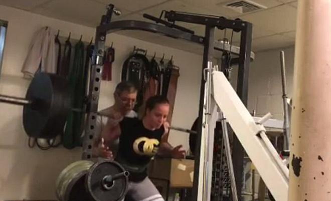 """Nữ sinh vô địch thiên hạ: 10 tuổi """"thần sức mạnh"""", 16 tuổi nâng 312kg - 3"""