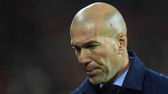 """Real """"hít khói"""" Barca: Ronaldo, Isco mắc hội chứng rối loạn lo âu - 2"""