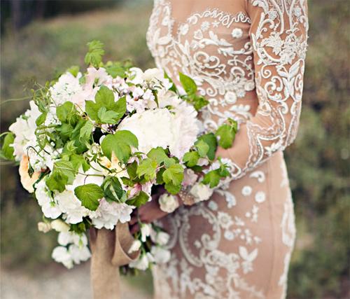 Nàng dâu diện váy cưới như cởi trần liệu có khiến quan khách giật mình? - 12