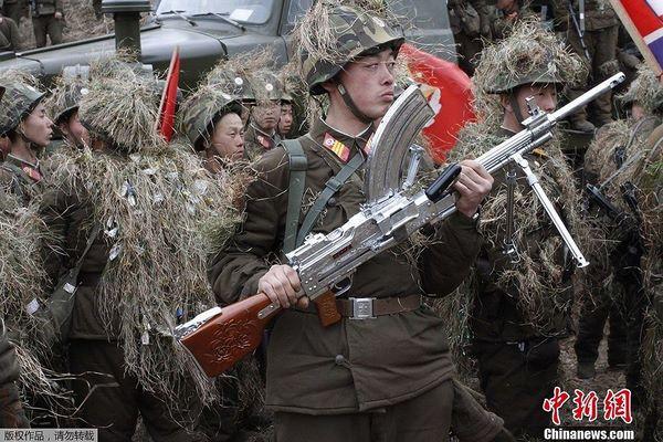 Sự đáng sợ của súng máy Type 73 cực lạ từ Triều Tiên - 1