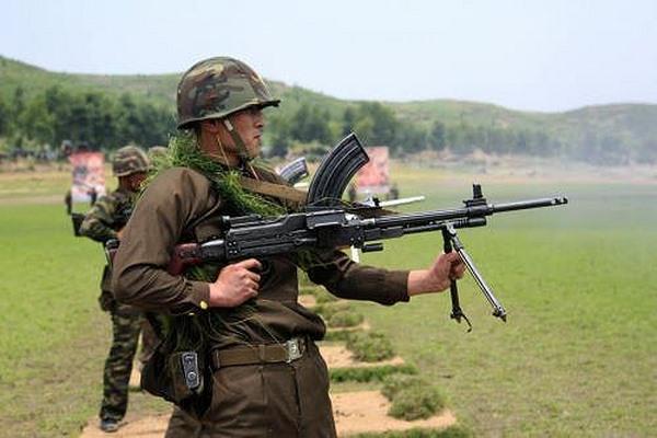 Sự đáng sợ của súng máy Type 73 cực lạ từ Triều Tiên - 2