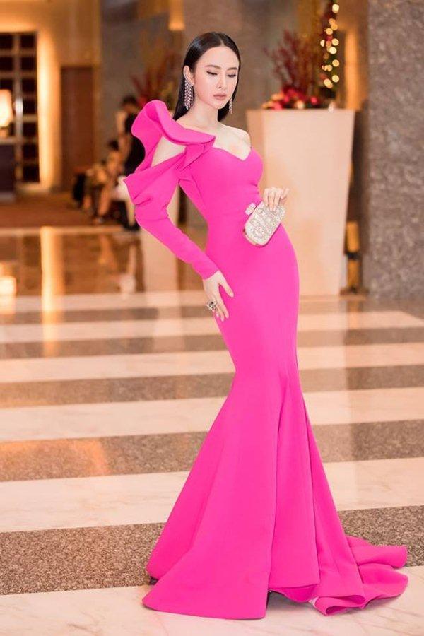 """Angela Phương Trinh đẹp nhì tuần với váy """"một mất một còn"""" - 3"""