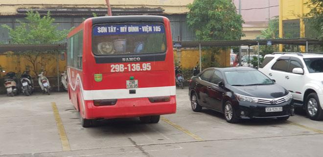 Xử phạt tài xế chạy xe khách ngược chiều trên đường trên cao - 2