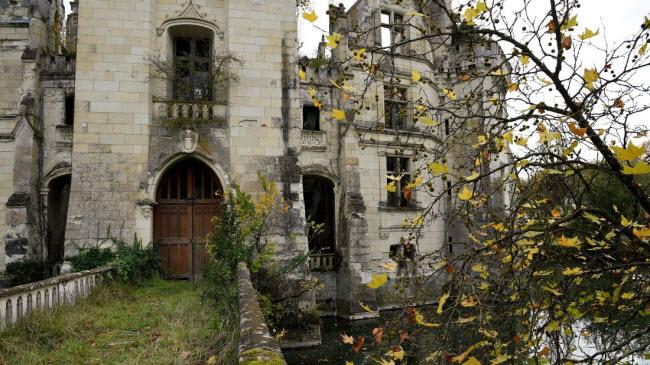 Chuyện lạ: Hơn 9.000 người góp tiền mua chung lâu đài bỏ hoang ở Pháp - 3