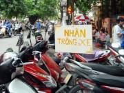 Hà Nội giữ xe trên vỉa hè: Người dân phải đi bộ dưới lòng đường?