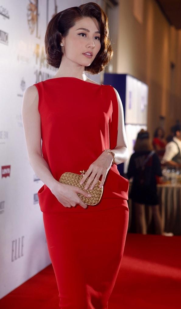 Thảm đỏ Elle: Phạm Hương xỏ khuyên mũi, Thùy Dung mặc xuyên thấu - 8