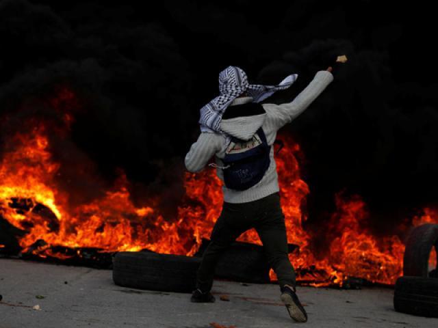 Vụ Jerusalem: Israel bắn đạn thật vào dân Palestine - 3