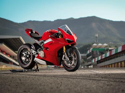 Ducati vẫn sẽ duy trì động cơ V-Twin tới năm 2020 - 1
