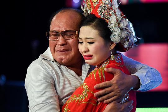 """Con gái Duy Phương - Lê Giang: """"Cả gia đình tôi đều muốn chết vì áp lực"""" - 1"""