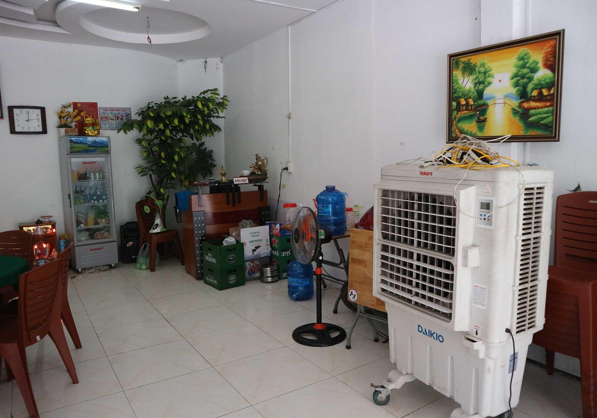 Duy Phương tuổi 64: Sống cùng vợ 3, ở nhà thuê, bán quán nhậu nuôi con nhỏ - 6