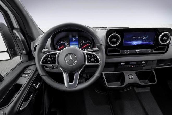 Mercedes Sprinter 2018 sẽ là xe van hiện đại nhất thế giới - 2