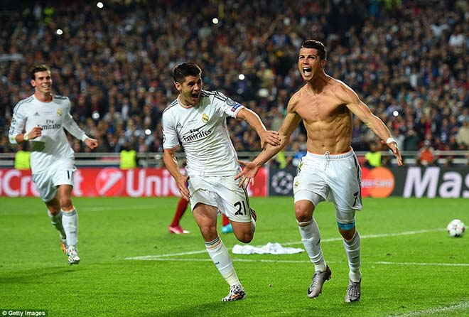 """Vua bóng đá Ronaldo: Bóng vàng không vết xước, """"khóa miệng"""" anti-fan - 3"""