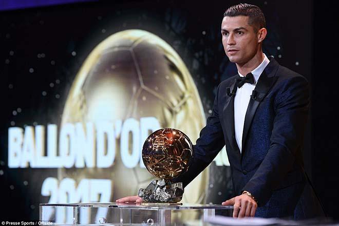 """Vua bóng đá Ronaldo: Bóng vàng không vết xước, """"khóa miệng"""" anti-fan - 4"""