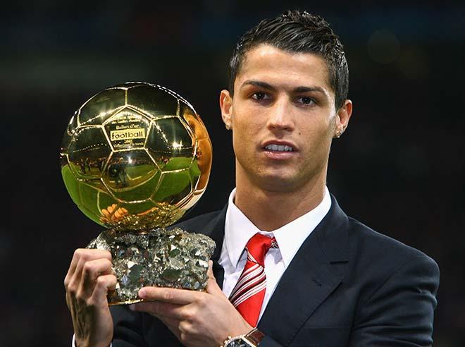 """Vua bóng đá Ronaldo: Bóng vàng không vết xước, """"khóa miệng"""" anti-fan - 1"""