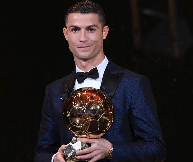 Vua bóng đá Ronaldo: Giấc mơ gây choáng của Quả bóng vàng - 1