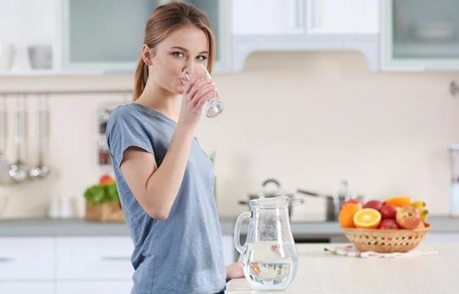 Uống 2 lít nước mỗi ngày, đừng cố gắng thực hiện - 1