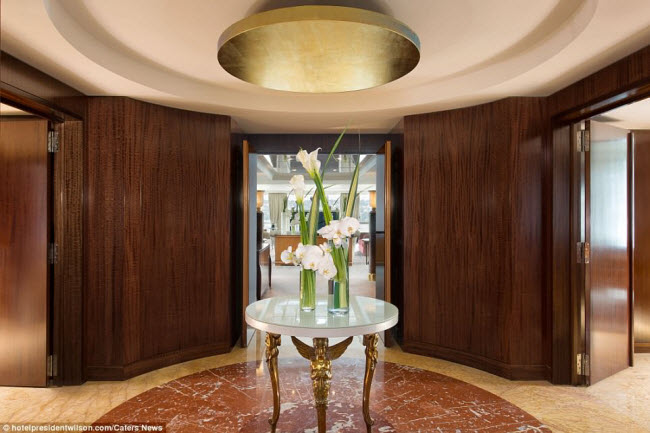 Có gì bên trong phòng khách sạn đắt nhất thế giới? - 12