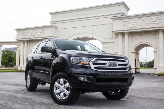 Ford Everest Ambiente sắp bán ở Việt Nam có gì hay? - 4