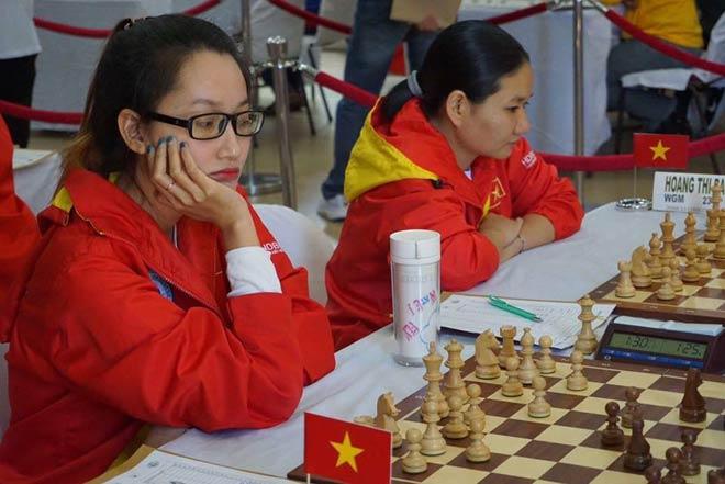 Hot-girl cờ vua Việt gây choáng thế giới: Kim Phụng đả bại 3 nam đại cao thủ - 1