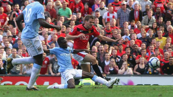"""Trận MU - Man City hay nhất lịch sử: """"Bàn thắng vàng"""" Owen, fan yếu tim chớ nên xem - 1"""