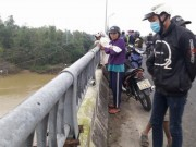 Bỏ lại xe đạp trên cầu, một học sinh lớp 11 nhảy sông tự tử