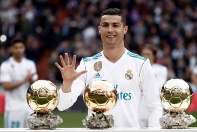 Ronaldo mừng bóng Vàng, ghi cú đúp & chạm mốc 50 - 1