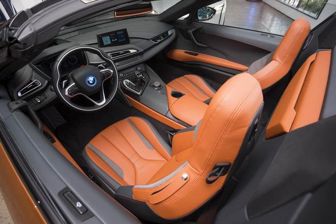 Siêu xe BMW i8 Roadster ra mắt với nhiều cải tiến - 3