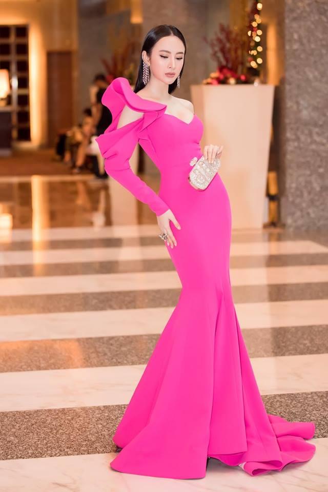 Loạt trang phục tôn hình thể của Angela Phương Trinh - 8