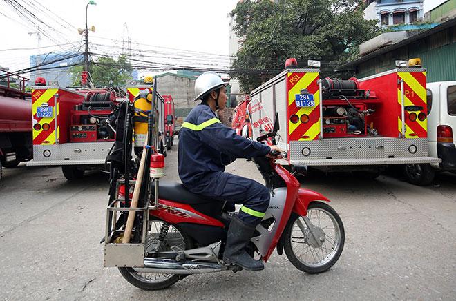 Cận cảnh xe chữa cháy siêu nhỏ, lần đầu xuất hiện ở Hà Nội - 2