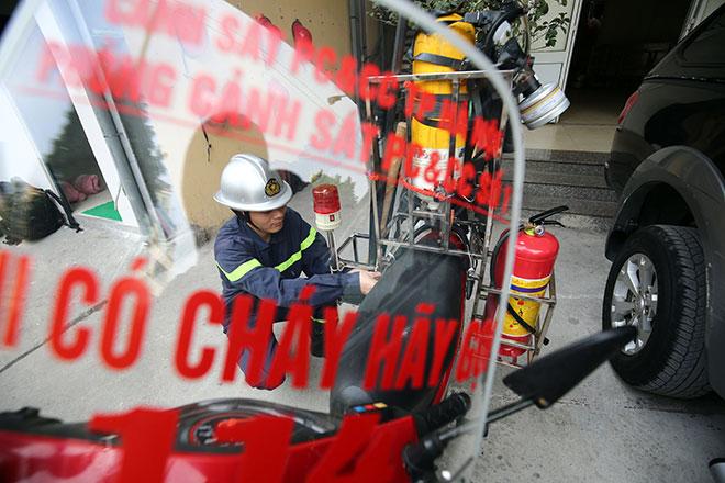 Cận cảnh xe chữa cháy siêu nhỏ, lần đầu xuất hiện ở Hà Nội - 3