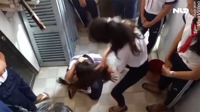 Hiệu trưởng trường 3 nữ sinh bị đánh dã man: Chúng tôi rất đau lòng! - 5