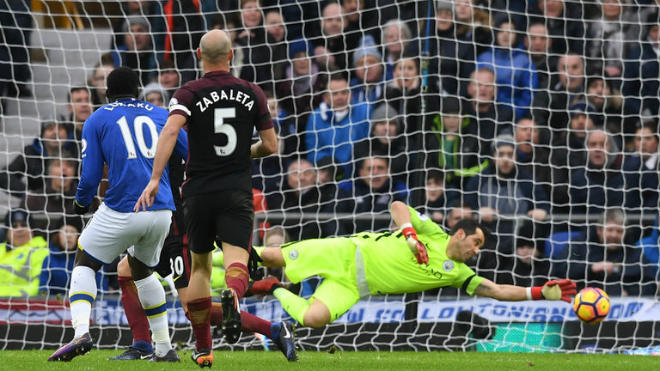 """Kinh điển MU – Man City: Mourinho """"phù phép"""" Lukaku, ác mộng Guardiola - 1"""