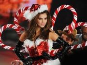 Quên ông già Noel đi, ngắm bà già Noel sexy mới thích!