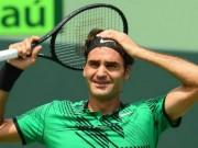 """Federer thiên tài  """" đãng trí """" : Những cú đánh  """" Thượng đế """"  cũng phải cười"""