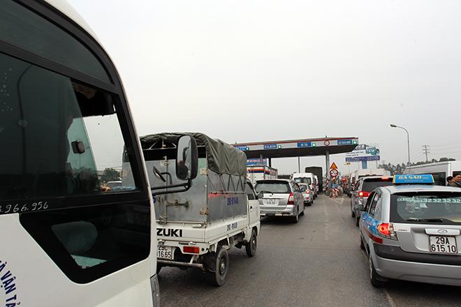 Sau Cai Lậy, tài xế tiếp tục trả tiền lẻ qua BOT Quốc lộ 5 - 6