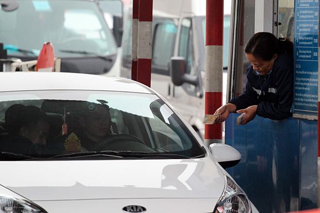 Sau Cai Lậy, tài xế tiếp tục trả tiền lẻ qua BOT Quốc lộ 5 - 5