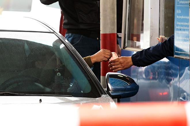 Sau Cai Lậy, tài xế tiếp tục trả tiền lẻ qua BOT Quốc lộ 5 - 3