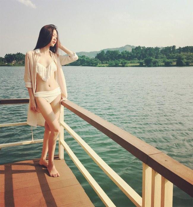 Sau khi đăng quang ngôi vị quán quân The Look mùa đầu tiên vào tối 10/12 với nhiều tranh cãi về kết quả, hot girl Vũ Ngọc Châm trở thành cái tên được nhắc đến nhiều nhất trên mạng xã hội facebook.