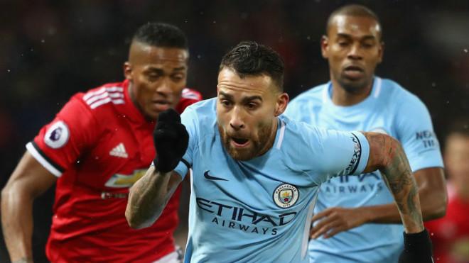 """Man City đả bại MU: Xứng danh """"vô đối"""", nhà vô địch lượt đi hoàn hảo - 1"""