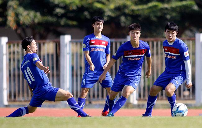 """U23 Việt Nam: HLV Park Hang Seo """"say nắng"""" với học trò - 2"""