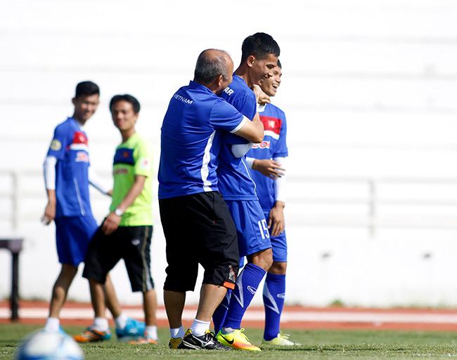 """U23 Việt Nam: HLV Park Hang Seo """"say nắng"""" với học trò - 4"""