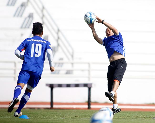"""U23 Việt Nam: HLV Park Hang Seo """"say nắng"""" với học trò - 5"""