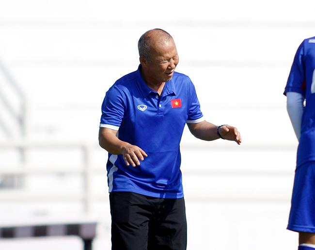 """U23 Việt Nam: HLV Park Hang Seo """"say nắng"""" với học trò - 6"""