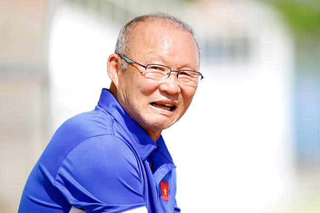 """U23 Việt Nam: HLV Park Hang Seo """"say nắng"""" với học trò - 8"""