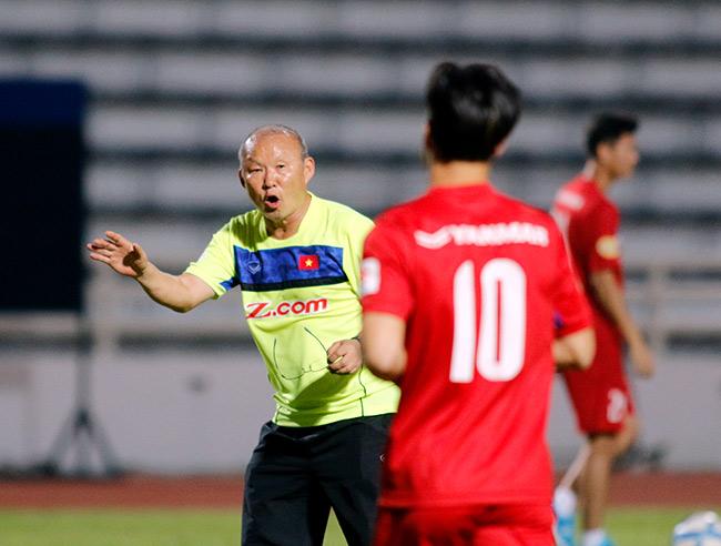U23 Việt Nam: HLV Park Hang Seo chỉnh thước ngắm Công Phượng, Quang Hải - 2