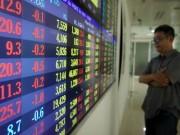 """Cổ phiếu ngân hàng, bia rượu lao dốc, VN-Index  """" bốc hơi """"  gần 23 điểm"""